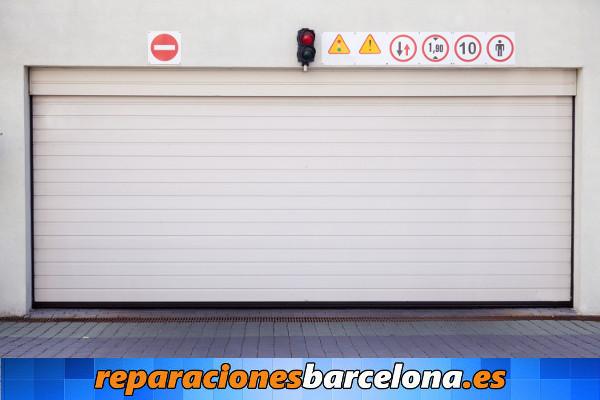 Cerrajeros Barcelona puertas garaje