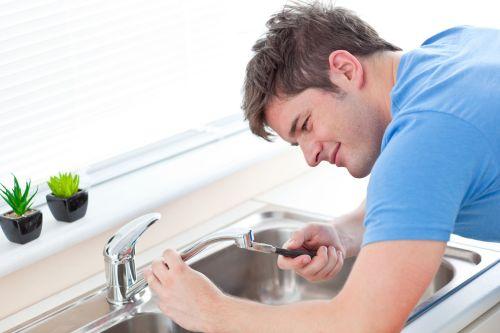 Falsas creencias sobre la limpieza de los drenajes